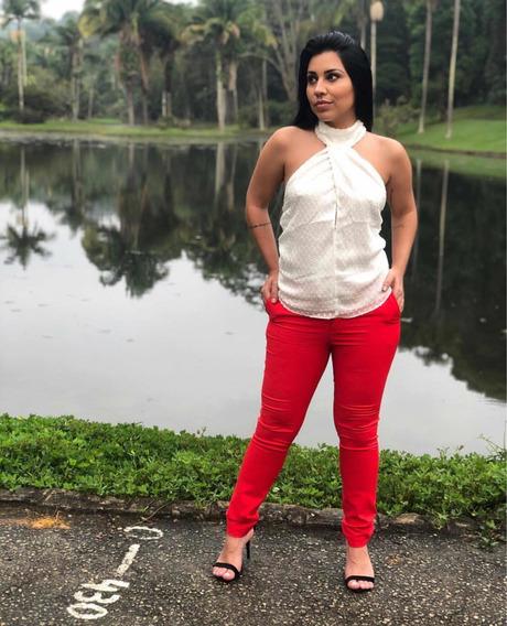 Calça Vermelha, Nova Tamanho P