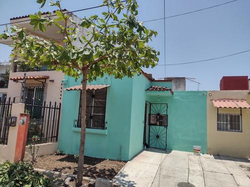 Casa En Venta En Bonito Fraccionamiento En Puerto Vallarta