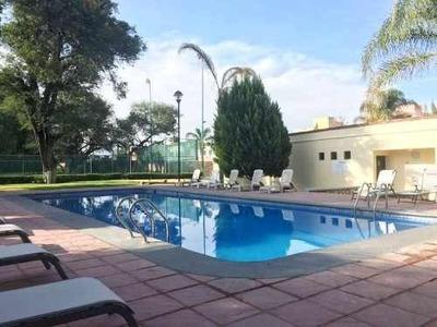 Exclusiva Residencia En Rinconada De Los Álamos Zona Céntric