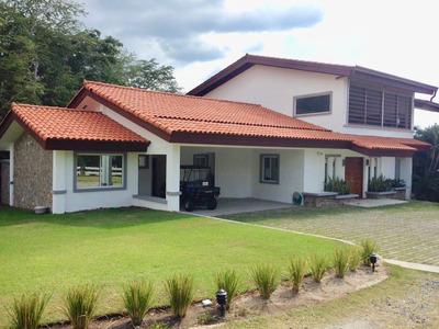 Vendo Lujosa Casa En Punta Barco/ 6 Recamaras