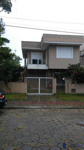 Linda Casa 3 Quartos Com 1 Suíte Master Na Praia Dos Açores. - Vcr0155
