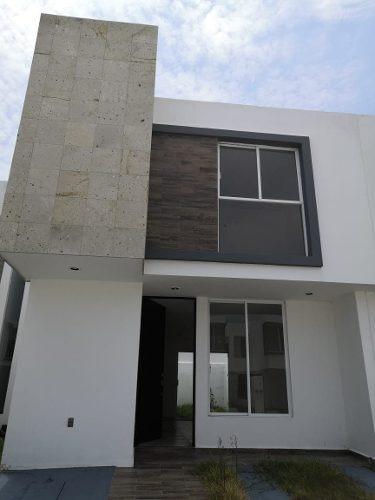 Hermosa Casa En Renta En Juriquilla, San Isidro, 3 Recamaras, 2.5 Baños, Nueva