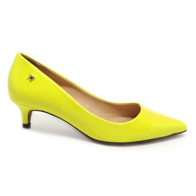 9e7230e6ba Scarpin Transparente Arezzo Mules - Sapatos para Feminino Amarelo no ...