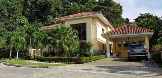 Casa En Venta En El Dorado 20-2256 Emb
