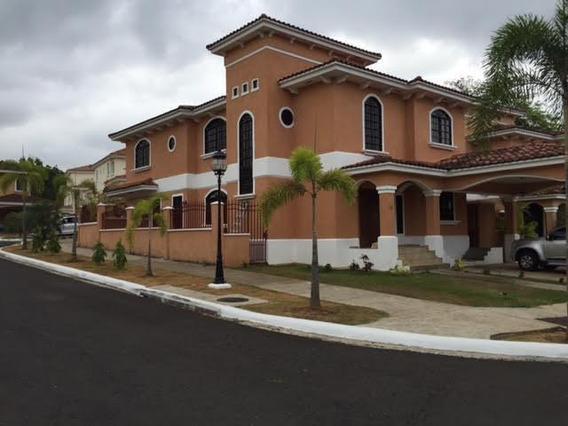Clayton Hermosa Casa En Alquiler Panama Cv