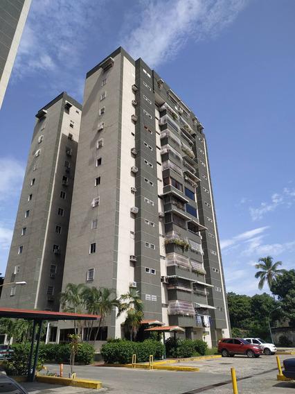 Yr Apartamento Res. Cristoforo, Av Bolivar, Maracay.