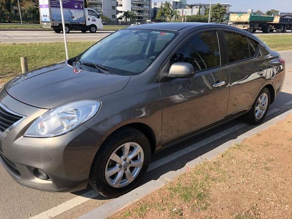 Nissan Versa Extra Full M/t C/garantia