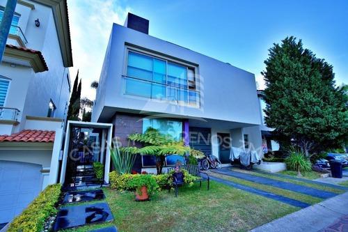 Casa En Coto 2 De Jardin Real Frente A Parque Y Terraza.