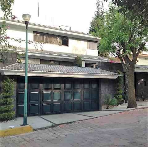 Venta Casa En Fuentes Del Pedregal En Calle Cerrada Con Vigilancia