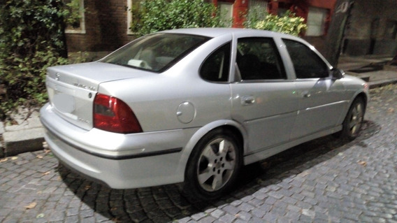 Vectra 2.2 16v Cd Con Gnc