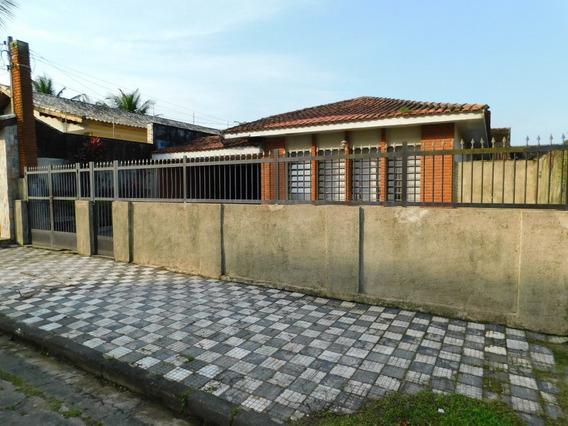 Casa C/ Toda Rede Comercial Muito Próxima A Venda Em Peruíbe