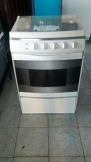 Se Vende Dos Cocinas Una Industrial Y La Otra A Gas