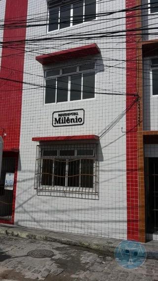 Kitnet Com 01 Quarto - Bairro Alecrim - L-3538