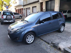 Ford Fiesta 1.6 Ambiente Plus Mp3 2010 Impecable Permuto