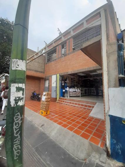 Local En Venta Av. Nueva Granada Lilibete Silva 04126041226