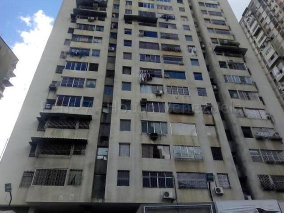 Bellisimo Apartamento, Remodelado Y Listo Para Habitar...