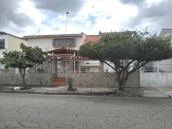 350m2 Venta Casa La Trigaleña Dos Niveles Calle Cerrada 099