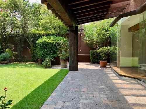 Casa Renta En El Triangulo Dorado De Las Lomas