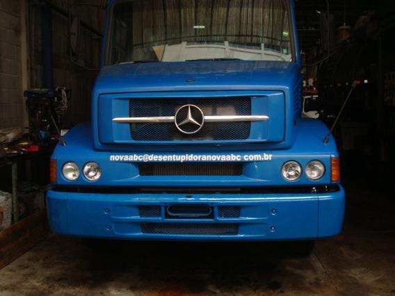 Caminhão Mercedes 1318 Limpa Fossa Trabalhando