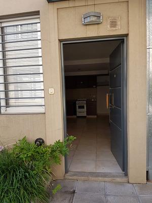 Duplex 2 Amb. Excelente Estado C/piscina Y Parrilla En Común