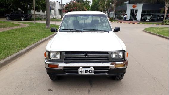 Toyota Hilux 2.8d Dc Dlx 4x2 - 1998 - Financiada