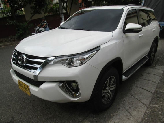 Camioneta Toyota Fortuner 2017 Gasolina Permuta Traspaso
