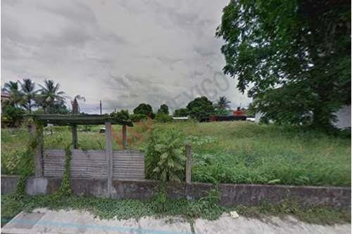 Imagen 1 de 9 de Venta De Amplio Terreno Ubicados En Cipres Veracruz