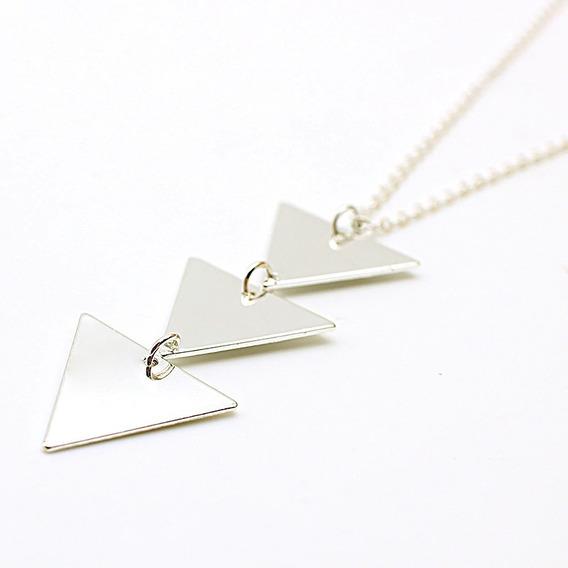Correntinha Mulher Pingente Tres Triangulos