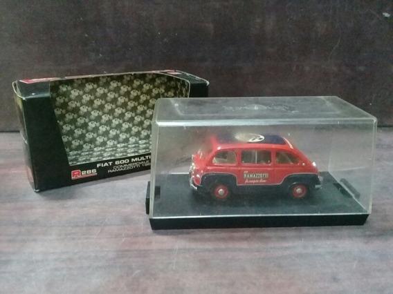 Miniatura Fiat 600 Multipla