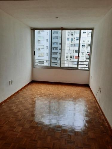 Apartamento Impecable De 1 Dormitorio En Tres Cruces!