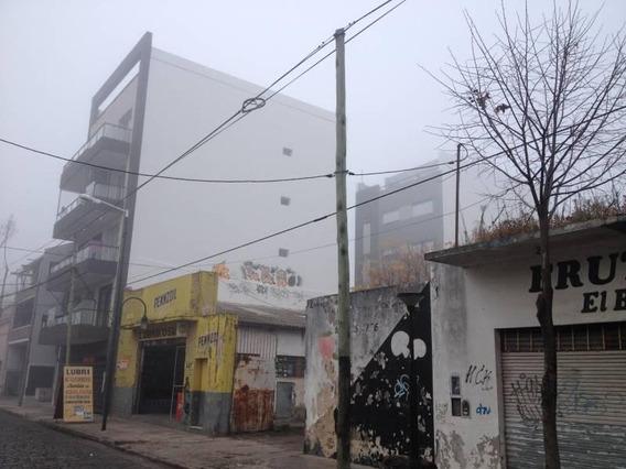 Amplio Galpón - Deposito - Local Comercial - Carupa San Fernando