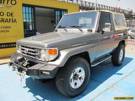 Toyota Land Cruiser 4500cc Mt