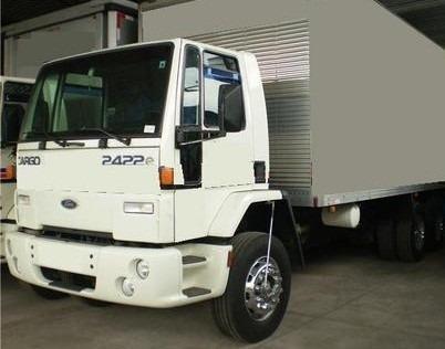 Ford Cargo 2422 - 6x2 - 2010 - Cabininha - Baú