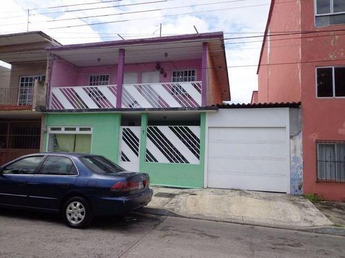 Casa En Venta En 1° De Mayo Norte 250m2 De Superficie