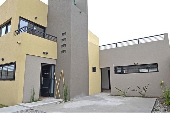 Casa A Estrenar En Venta En La Plata 2 Dormitorios