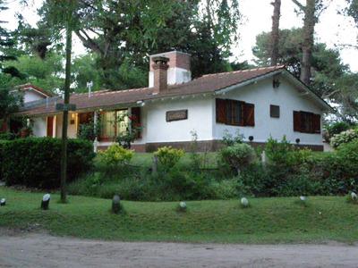 Alquiler Verano: Gesell Casa Chalet - Parque Y Cochera