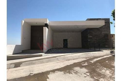 Residencia En Venta En El Roble Residencial, Desarrollo Exclusivo, Seguridad 24hrs, Areas Verdes, Acceso Controlado, Terraza Enorme!