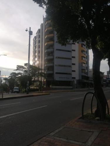 Imagen 1 de 13 de Apartamento En Arriendo En Bucaramanga Sotomayor