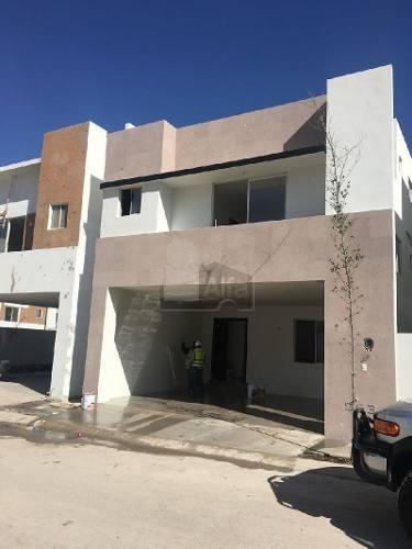 Casa Sola En Renta En Cumbres San Agustín, Monterrey, Nuevo León