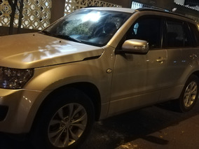 Vendo Suzuki Grand Nomade.