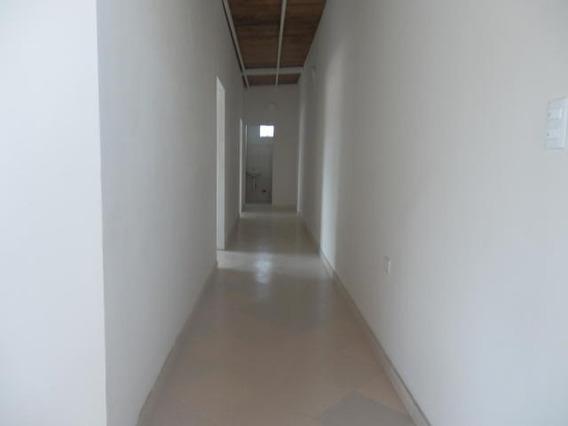 Oficina En Alquiler Zona Este De Barquisimeto 20-22586 Rr