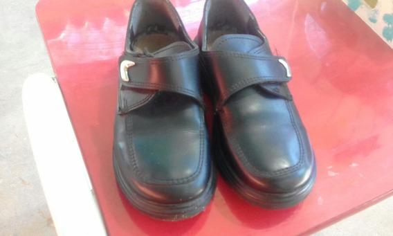 Zapatos Coleguiales Unixes