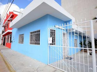 Rento Casa En El Centro De Playa Del Carmen, A Unas Cuadras De La Famosa Quinta Avenida