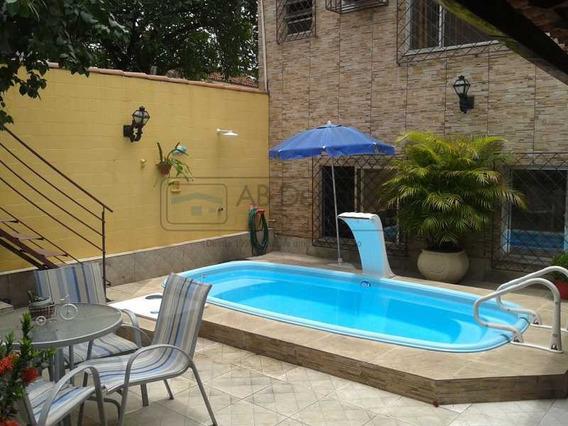 3 Dormitórios Sendo Um Suíte - Quintal Com Piscina - Abca30071