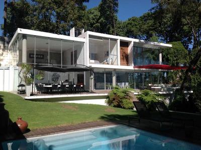 Residencia Unica En Avandaro 2000 M2 De Jardin Privado