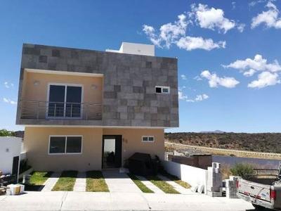 Hermosa Casa En El Mejor Fraccionamiento De Querétaro.