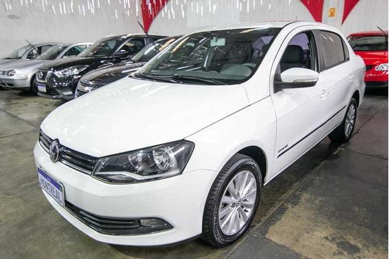 Volkswagen Voyage Highline 1.6 Total Flex 4p