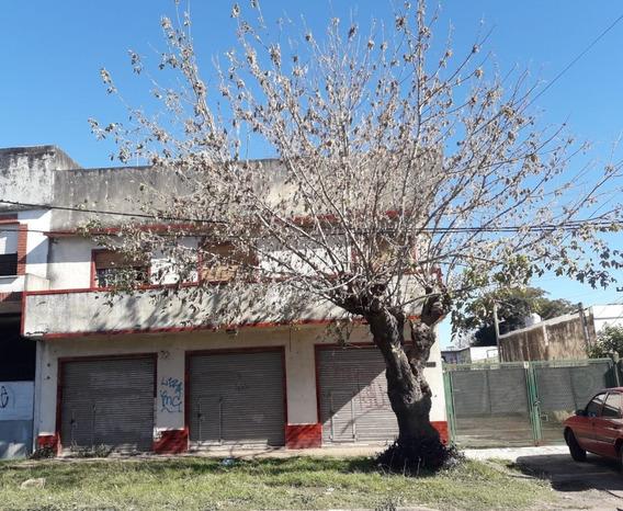 3 Locales, Galpón + Vivienda En 1º Piso En Venta En Calzada