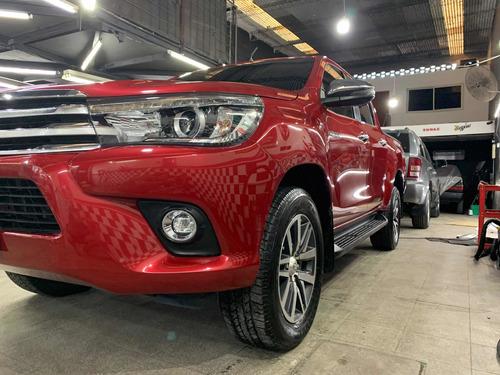 Imagen 1 de 8 de Toyota Hilux 2.8 Cd Srx 177cv 4x2 At 2017