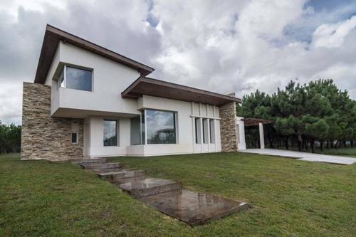 Casa En Venta - 4 Ambientes - Oportunidad La Herradura Pinamar